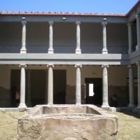 Один из трех атриумов Римского Дома